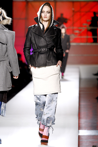 Spalvingas šaltasis 2010-ųjų sezonas pagal Jean Paul Gaultier