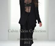 Minimalizmo mėgėjoms – Calvin Klein pavasaris/vasara