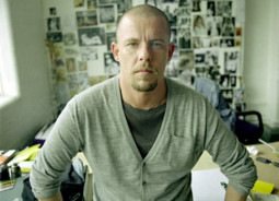Rastas negyvas Alexander'is  McQueen'as!