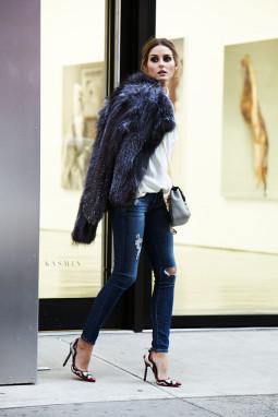 Penktadienio įvaizdis: plėšytų džinsų elegancija
