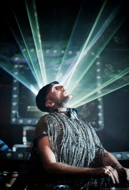 """Damian Lazarus – eklektikos ir nežabotos laisvės žaidimas """"Jager Vibrations"""""""
