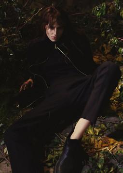 """Jaunieji dizaineriai pristato """"upcycling"""" metodu kurtą drabužių kolekciją"""
