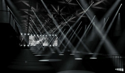 Vilniuje – gyvai atliekama muzikos ir vizualių sprendimų sinchronizacija
