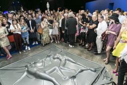 """""""Lewben Art Foundation"""" ekspozicija ir intriguojantis performansas"""