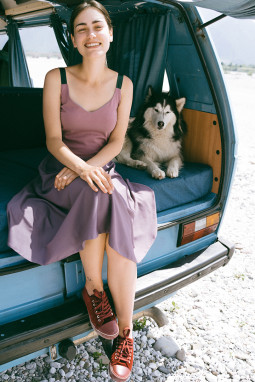 """Drabužių kūrėja Teklė Jasenkaitė: """"Dabar mano gyvenime toks metas, kai gerai jaučiuosi būdama savimi"""""""