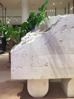 """Prestižiniame Paryžiaus prekybos centre įkurta unikali """"About"""" ekspozicija"""