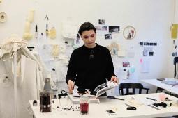 Švelniai apie tai, kas nepatogu: pokalbis su dizainere Morta Nakaite