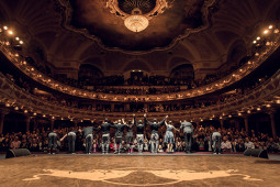 """Stereotipus laužantis šokio projektas """"Flying Bach"""""""
