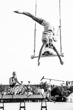 """""""Cirkuliacija"""" svečiai iš Suomijos """"Sisus Sirkus"""": laužomi stereotipai ir žinia apie stiprias moteris"""