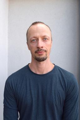 Külli Roosna ir Kenneth Flak kviečia įsiklausyti į kūno siunčiamus impulsus