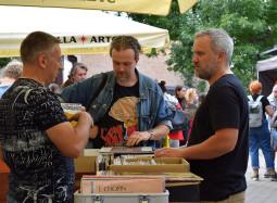 """Tarptautiniame vinilų festivalyje – grupių pasirodymai ir nauja """"Poliarizuotų stiklų"""" plokštelė"""
