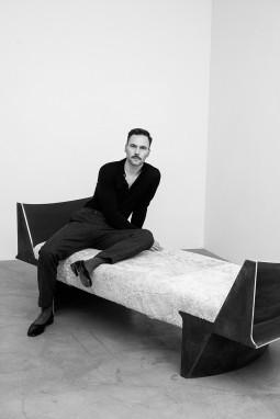 (AV17) galerijoje – išskirtinė dizainerio Manto Lesausko kolekcijos paroda