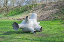 """Grupinė šiuolaikinės skulptūros paroda """"Belaukiant"""" Kūdrų parke"""