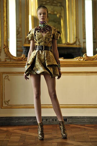 Frida Gustavsson-Alexander McQueen-ruduo/žiema-2010/2011