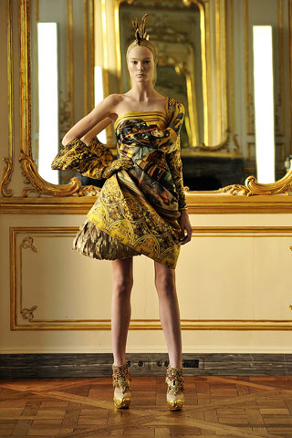 Irina Kulikova-Alexander McQueen-ruduo/žiema-2010/2011