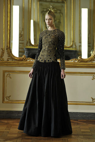 Karlie Kloss- Alexander McQueen-ruduo/žiema-2010/2011