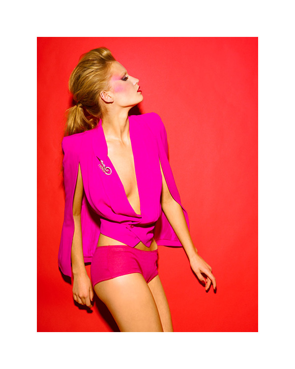 Modelis: Laura Blokhina, fotografas: Milo Keller