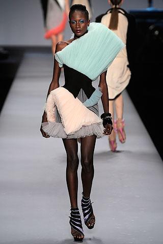 Modelis: Aminata Niaria