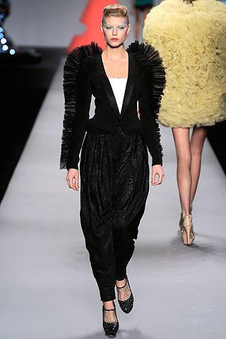 Modelis: Maryna Linhuk
