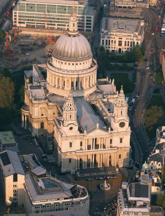 Londonas prisimena: po pusmečio