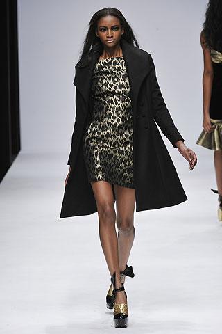 Modelis: Lyndsey Scott