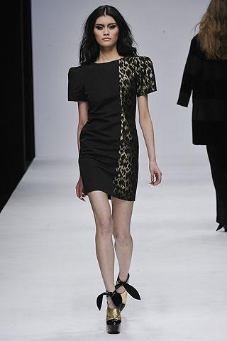 Modelis: Ming Xi