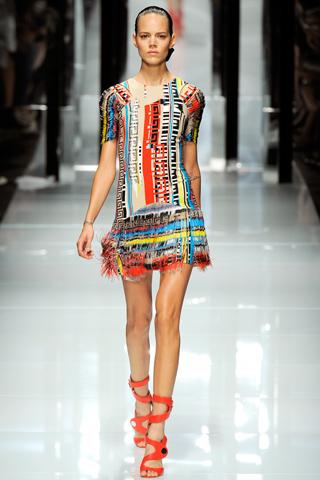 Versace vasara: SS 2011 kolekcija