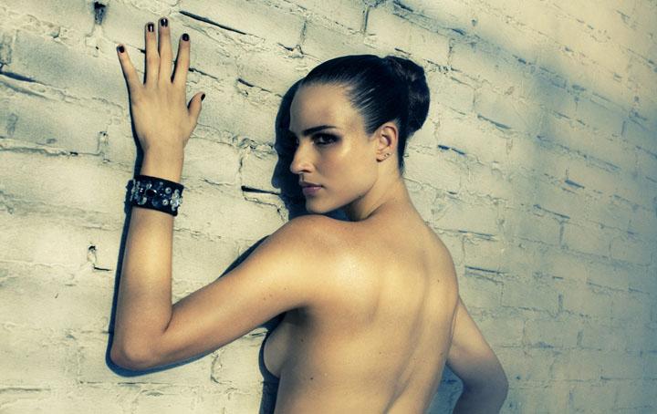 Fernanda Tavares ir Status