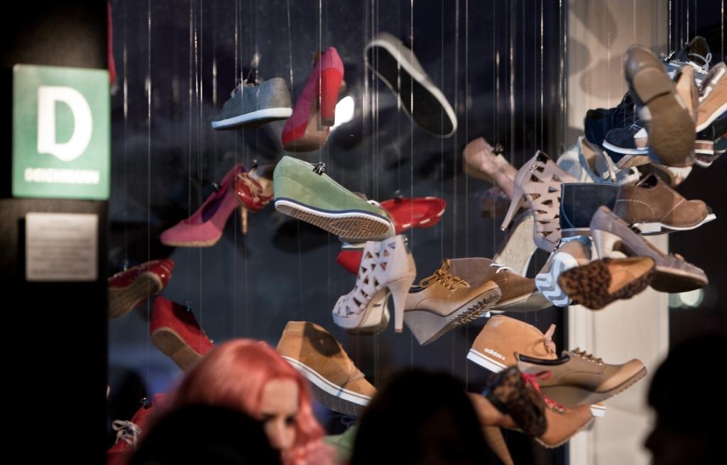 """Avalynės instaliacija """"Batų istorijos"""" sujungė garsą ir vaizdą."""