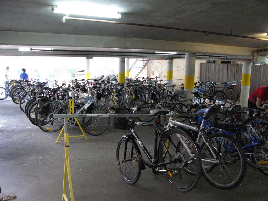 Į LOFTAS FEST per Jonines atlikėjai atriedės dviračiais