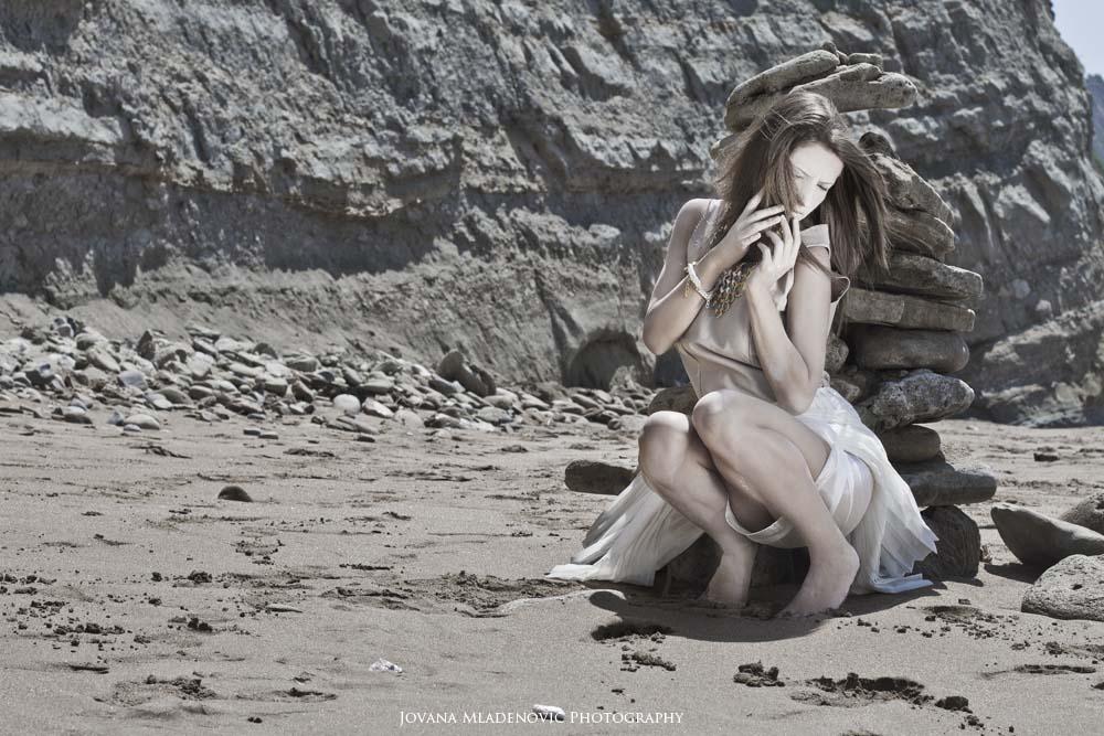 Tos pilkos dienos. Jovana Mladenovic