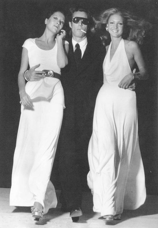 Roy Halston su Elsa Peretti ir Karen Bjornson, vadinamosiomis Halstonetėmis