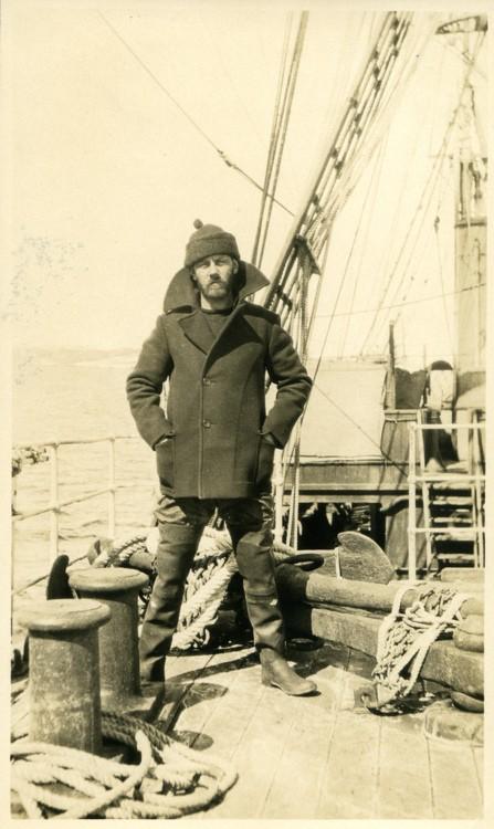 Mados objektas: jūreivio paltukas