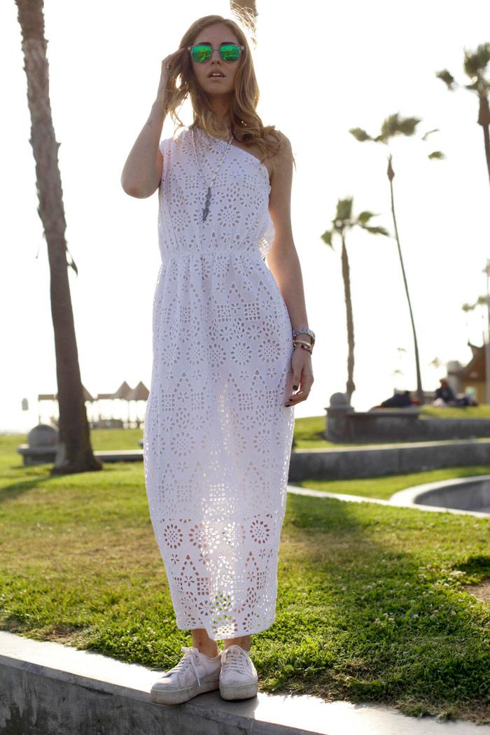 Savaitės derinys: ilga balta suknelė