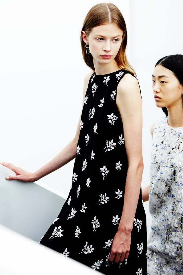 """""""Dior"""" aukštosios mados kolekcijos užkulisiai"""