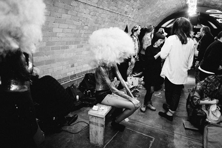 A-Twins savo kolekciją pristatė Londono avangardo šou