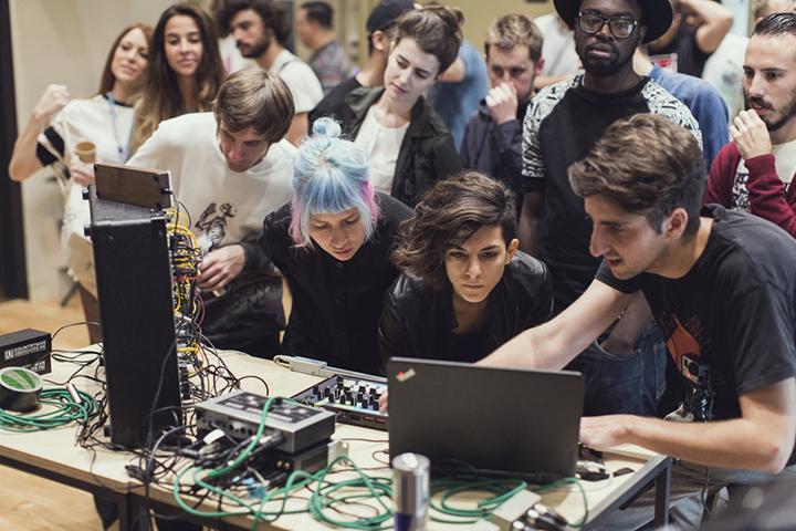 """Rašytojų sąjungoje – """"Red Bull Music Academy"""" sesija"""