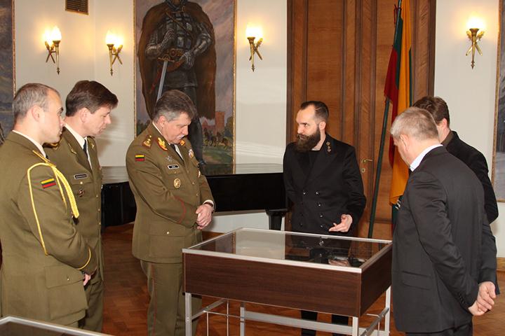 Akimirkos iš susitikimo su Lietuvos kariuomenės vadu Jonu Vytautu Žuku.
