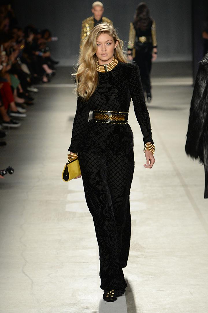 Balmain x H&M kolekcija. Gigi Hadid
