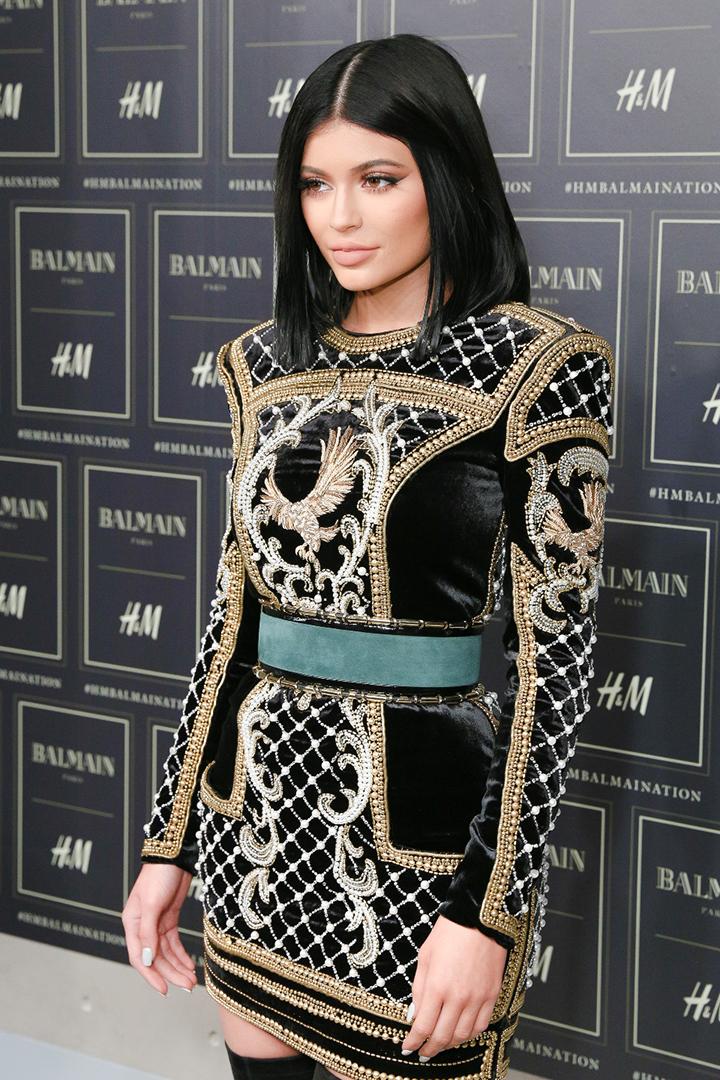 Balmain x H&M kolekcija. Kylie Jenner