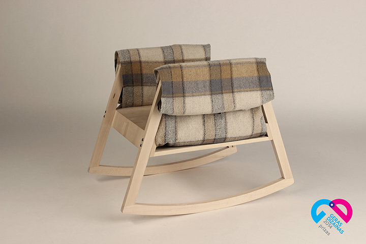 VAR-TYK rocking stable chair