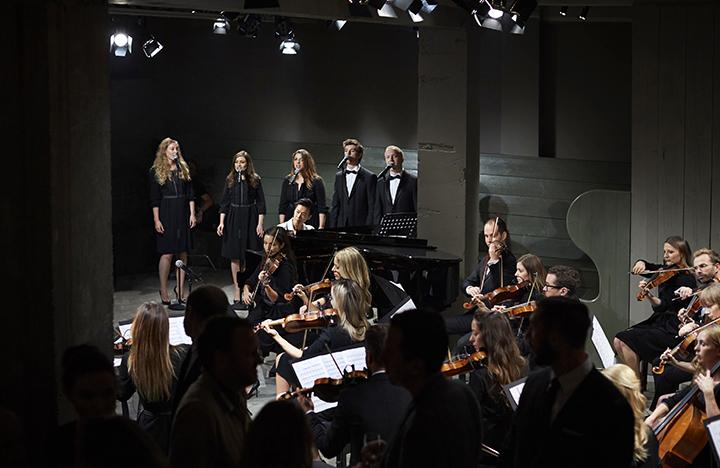 Burberry rugsėjis 2016 - orkestras