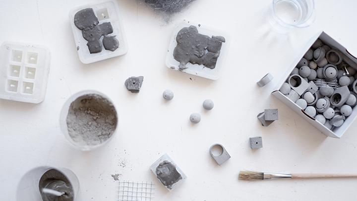 """""""Celsius 273"""" – apie architektūrą papuošaluose, konkurenciją Lietuvoje ir betono stereotipus"""