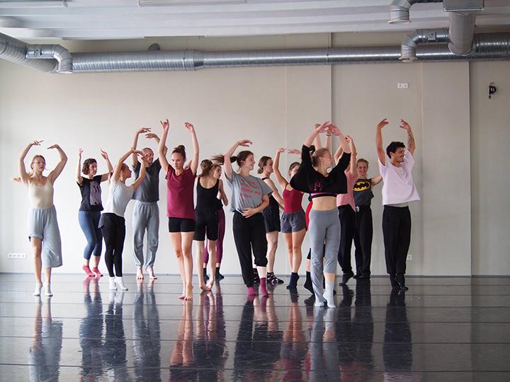 """""""Vasaros šokio mokyklos'17"""" pamoka"""