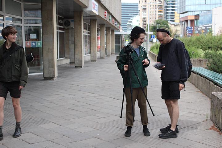 """Kūniškas erdvės patyrimas garsiniuose pasivaikščiojimuose """"Sonic Vilnius"""""""
