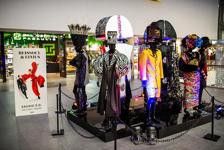 """""""Beissoul & Einius"""" pristatė kostiumų parodą"""