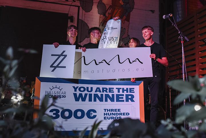 """""""Novus"""" nugalėtojai – moksleiviai iš Šakių """"Mėlyna"""""""