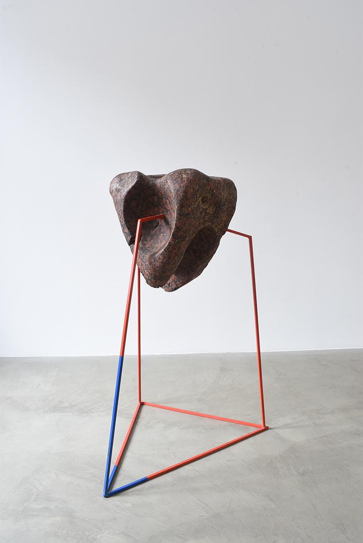 """Parodoje """"New Collection"""" pristatomi interjerui skirti skulptūriniai objektai"""