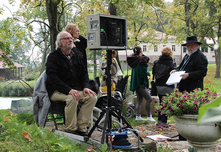 Nepaliaujantis stebinti kino režisierius Algimantas Puipa švenčia jubiliejų