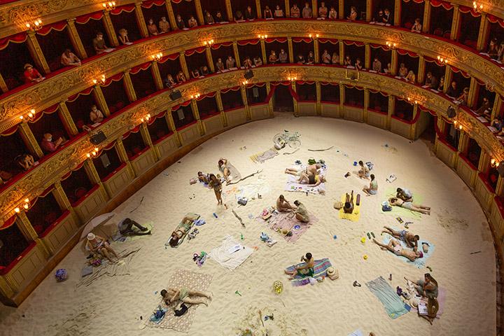 """Dėl """"Saulės ir jūros"""" italai perkonstravo vieną seniausių teatrų Romoje"""